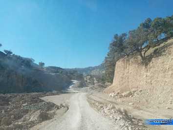 برخی قسمت های مسیر هنوز زیر سازی نشده است